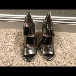 Vince Camuto Gold/Silver Heels